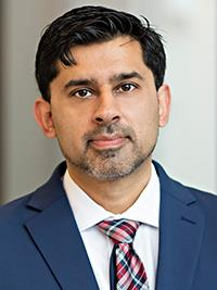 Zeeshan Javid, MD headshot